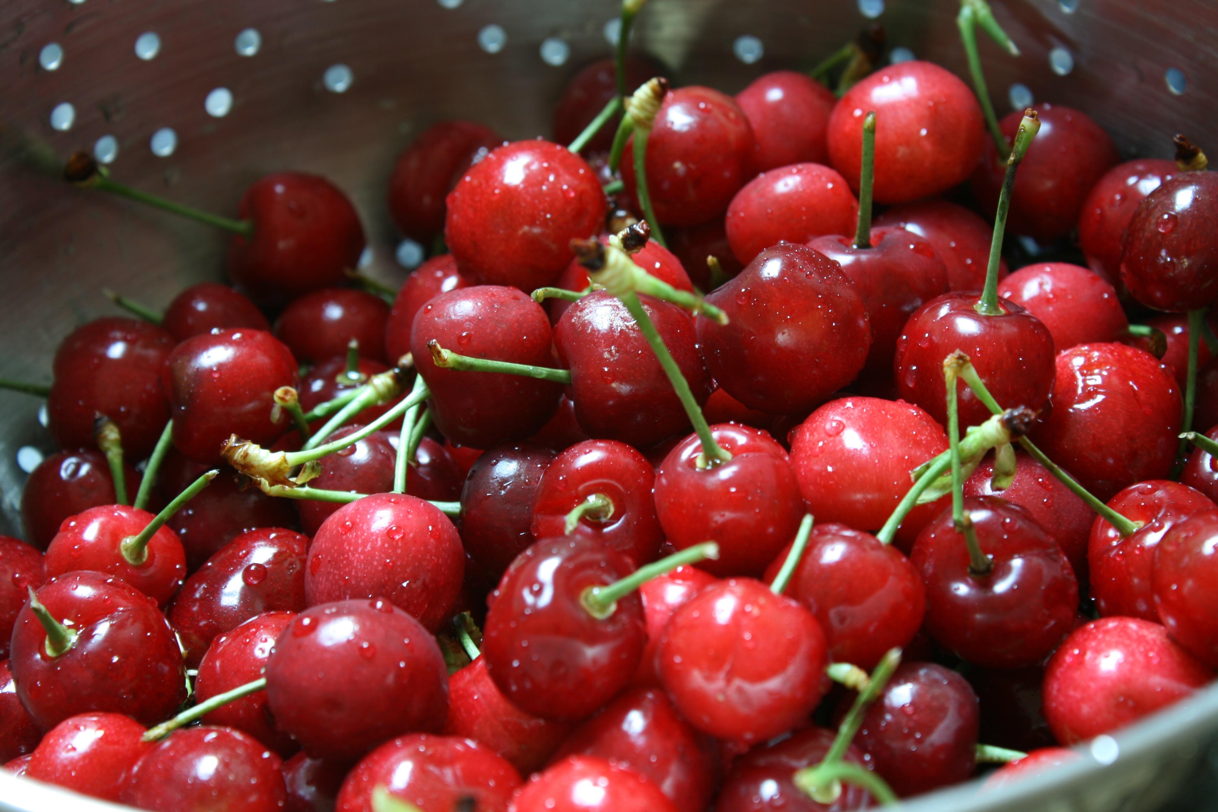 gorgeous-sweet-cherries.jpg