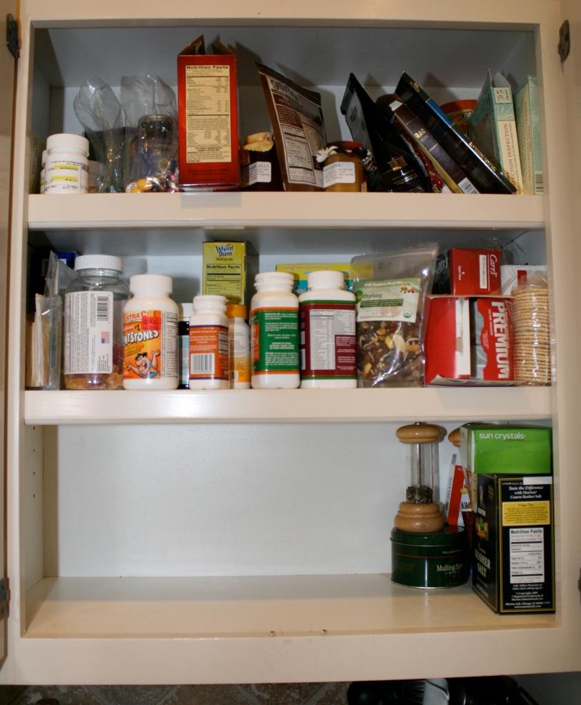 Messy Kitchen Drawer: Small Organizing Frenzy